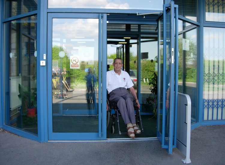 Indoor Bowls Club - Automatic Entrance Doors