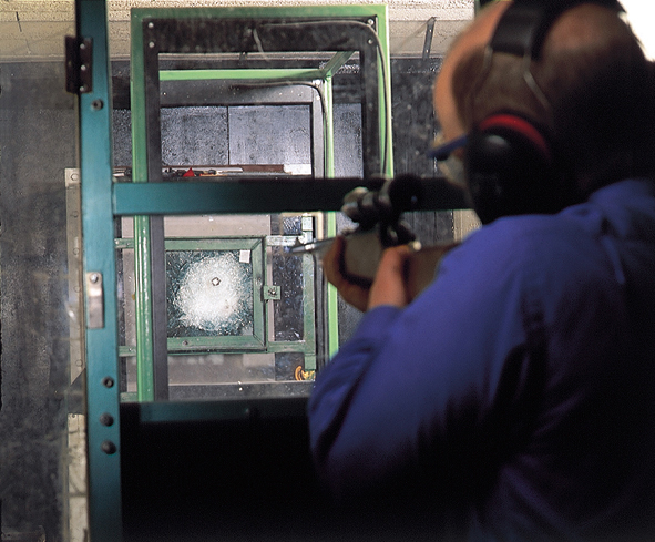 Laminated glass - Ballistic test