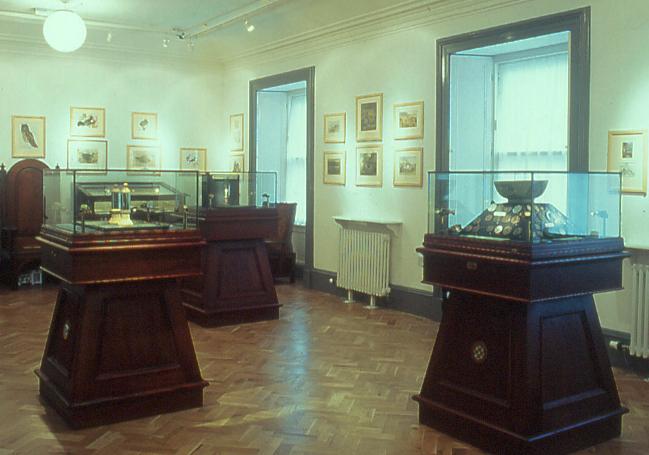 Secure Display Cases - Scottish Museum